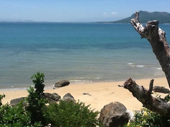 Tsara Komba Luxury Beach Forest Lodge:                                                       la vue depuis notre lodge