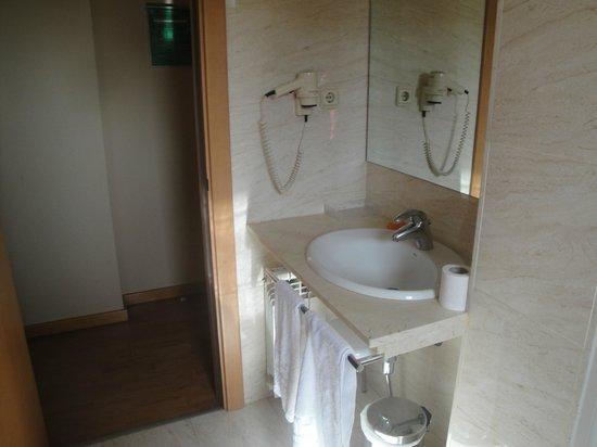 NH Porta Barcelona: bath