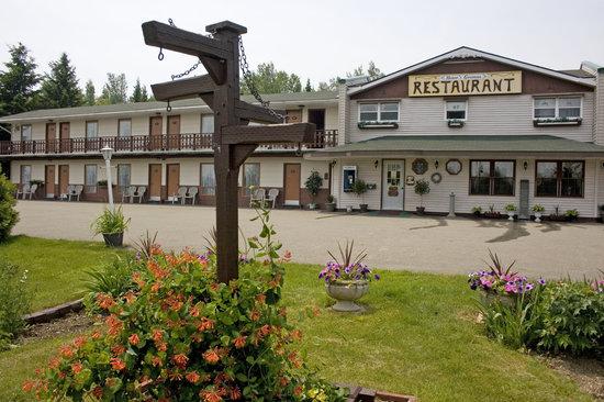 John Gyles Motor Inn & Restaurant :                                     Exterior of John Gyles