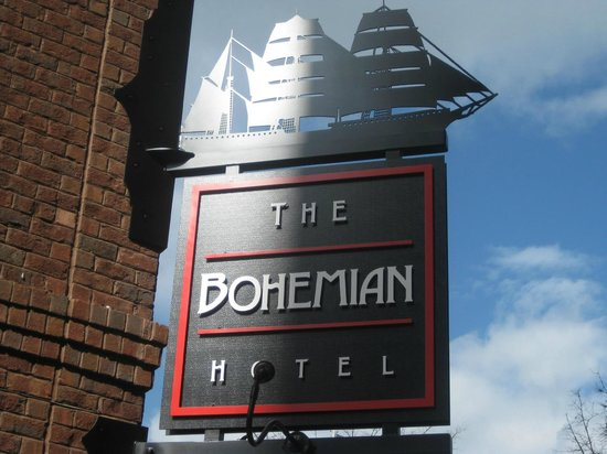 The Bohemian Hotel Savannah Riverfront, Autograph Collection:                                     Sign on Bay St.