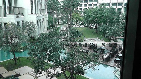 Siam Kempinski Hotel Bangkok:                                     Pool and outdoor bar