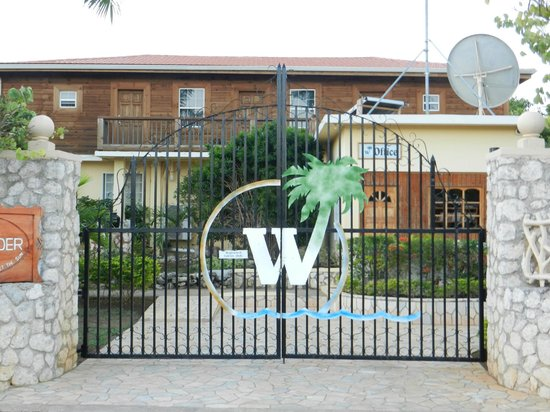 Westender Inn:                                     entrance