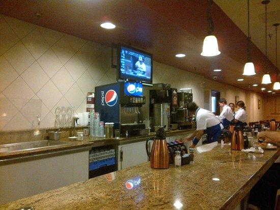 IHOP:                                     Bar