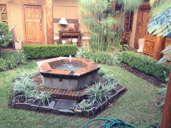 Villa Victoria:                   Central patio garden