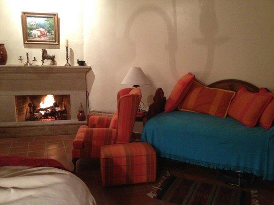 Villa Victoria:                   Guest Room