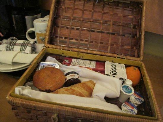Auberge Le Pomerol:                   Panier servie au déjeuner