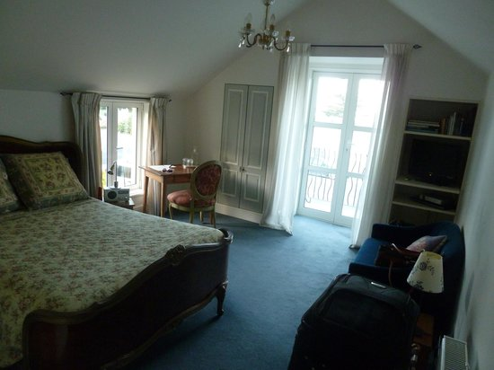 Le Petit Hotel Sumner :                   perfectly decorated, very comfy