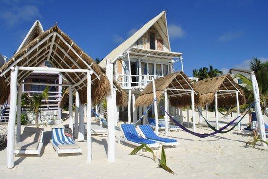 Posada Lamar:                   le cabanas sulla spiaggia