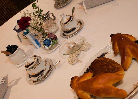 La Romance :                   Détails de la table au petit déjeuné