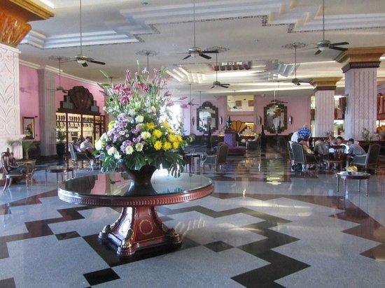 Hotel Riu Vallarta:                   Lobby