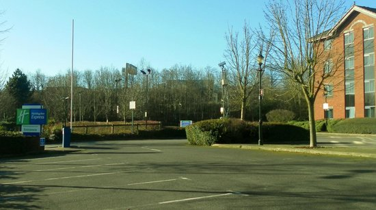 Holiday Inn Express Stafford M6 Jct. 13:                   Really convenient for Motorway!!