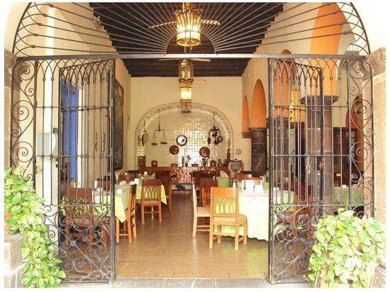 El Patio Restaurante Buffet:                   Entrada Principal Restaurante