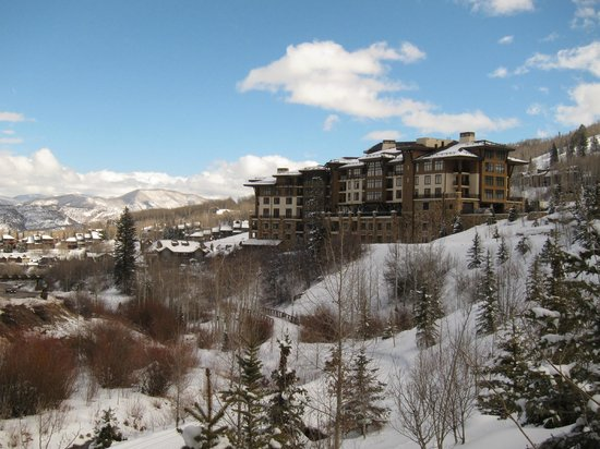 Viceroy Snowmass: View of Viceroy Hotel