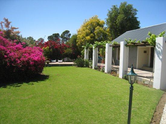 Karoo Lodge : Middle Garden