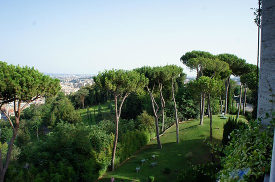 Rome Cavalieri, A Waldorf Astoria Resort:                   View of the grounds from the room