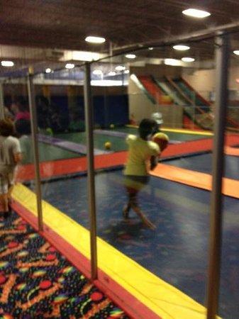 JumpStreet :                   trampoline dodgeball
