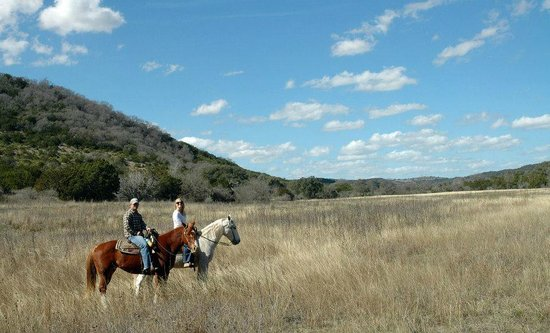 Hill Country Equestrian Lodge :                   trail ride
