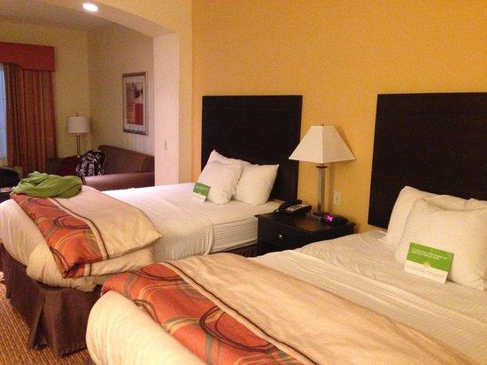 La Quinta Inn & Suites Stillwater -University Area :                   The Two Queen Beds