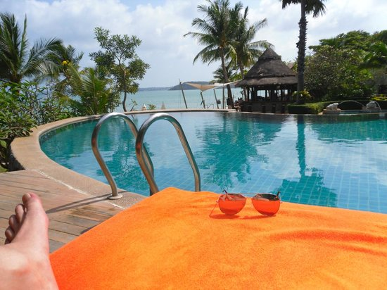Bandara Resort & Spa:                   One of several pools