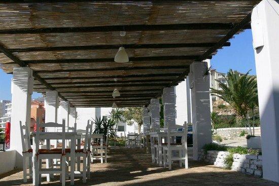 Hotel Saranda Photo