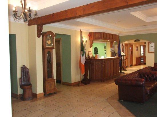 Caisleain Oir Hotel:                                                       Reception!