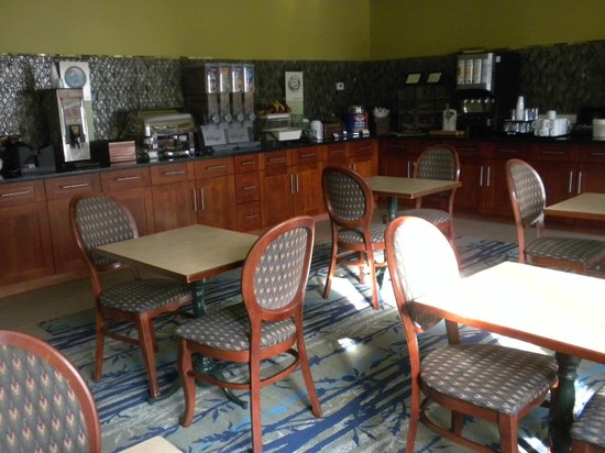 Country Inn & Suites By Carlson, Washington Dulles International Airport: Breakfast Room
