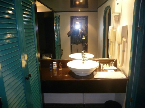 Hotel Lagon II:                   Badezimmer mit Wanne / Toilette ist extra