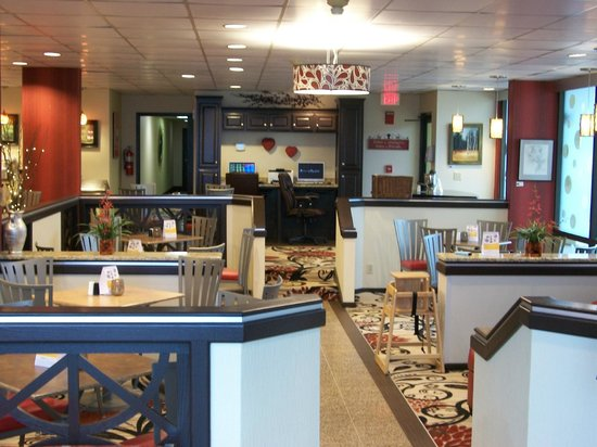 Comfort Inn Jonesville: Dining Area and Business Center