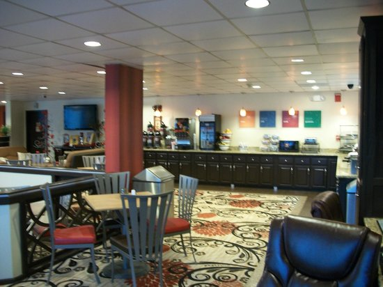 Comfort Inn Jonesville: Breakfast Area