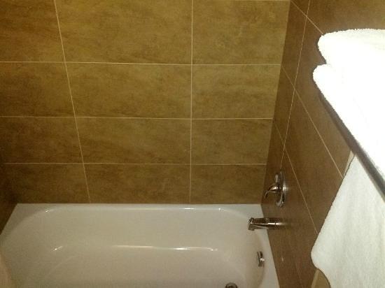 Ramada London: Newly Renovated Bathrooms