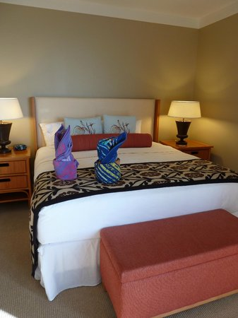 Honua Kai Resort & Spa:                   Comfy King Bed