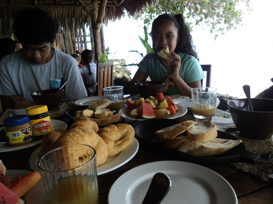 Paradise Cove Resort: having a healthy nutritious breakfast