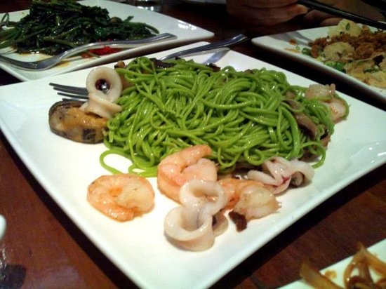 Chefs Gallery: Handmade spinach noodles with seafood and mushrooms