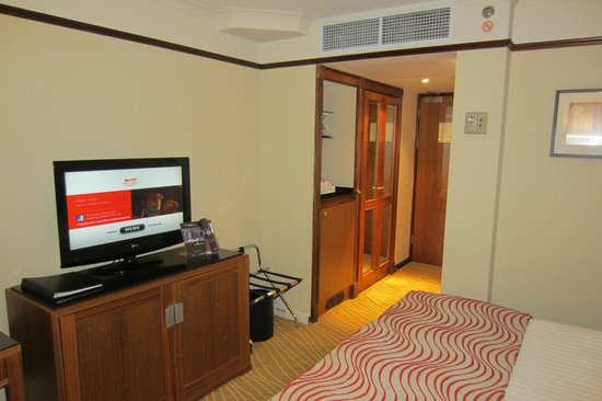 Leeds Marriott Hotel:                   standart room