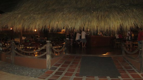 Doubletree Resort by Hilton, Central Pacific - Costa Rica:                   Main restaurant bar.