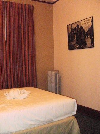 Moore Hotel:                   simple room                 