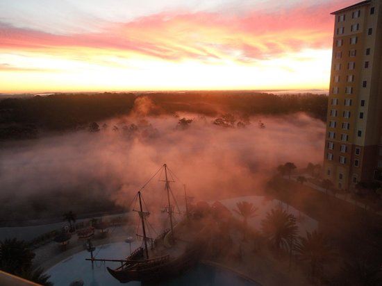 Lake Buena Vista Resort Village & Spa:                   Foggy morning from the rooms view