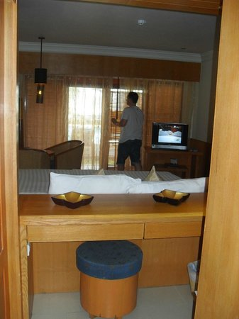 Seaview Patong Hotel:                   view from bathroom