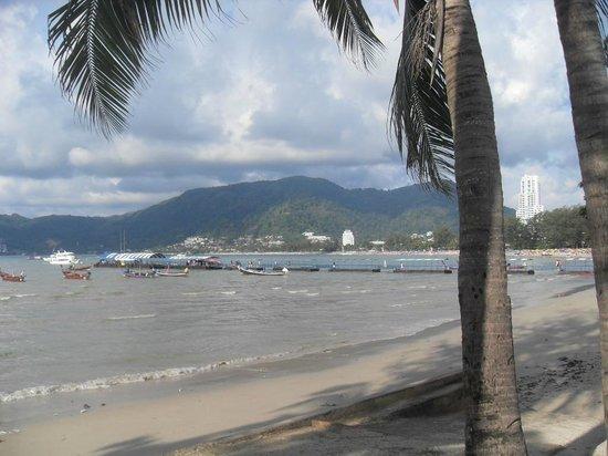 โรงแรมซีวีว ป่าตอง:                   Patong Beach