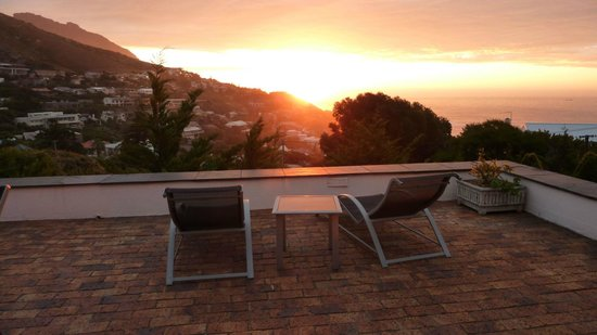 Llandudno Beach Apartments: Sunset