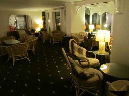 Park Manor Hotel: Lounge area