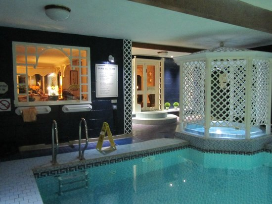 Park Manor Hotel: Pool and Jaccuzzi