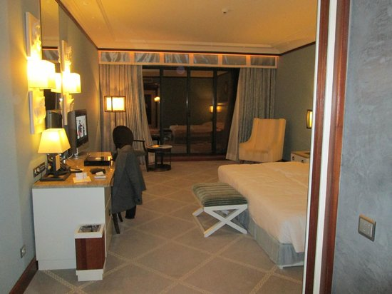 Grande Real Villa Italia Hotel & Spa:                   chambre de luxe vue sur la mer