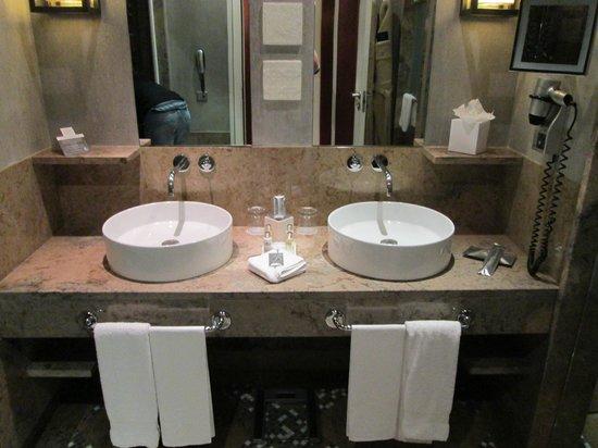 Grande Real Villa Italia Hotel & Spa:                   salle de bain