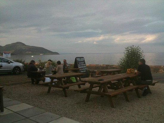Eden Lodge Hotel: The Beer Garden