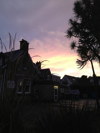 Eden Lodge Hotel: February sunset