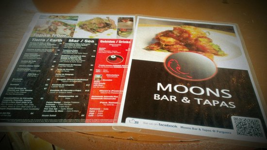 Moons Bar & Tapas: Menu