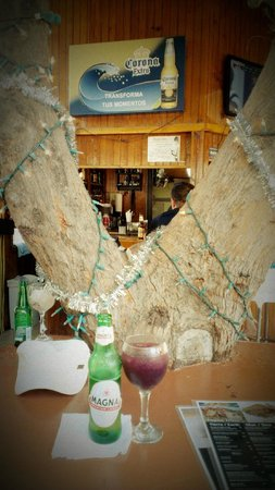 Moons Bar & Tapas: No one saw the tree during construction