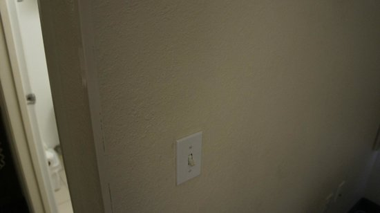 Extended Stay America - Tampa - Airport - N. West Shore Blvd.:                   more patched walls