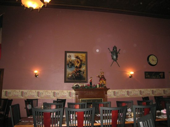 The Beefeaters Restaurant: Inside of Beefeater's